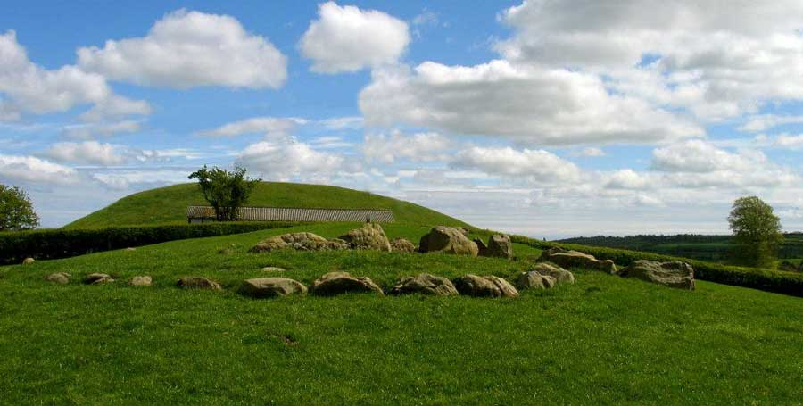 The      inner kerb of Site K at Newgrange.